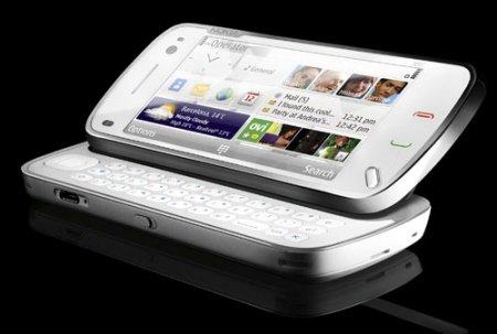 Смартфоньi нового поколения увеличивают спрос на большие дисплеи