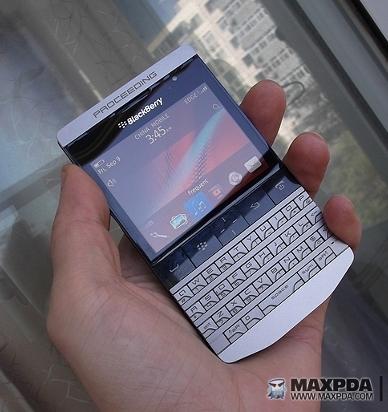 BlackBerry 9980: смартфон в стиле Porsche